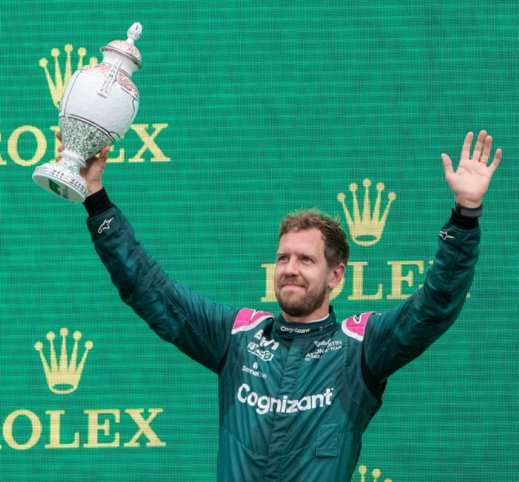 Magyar Nagydíj: kizárták Sebastian Vettelt