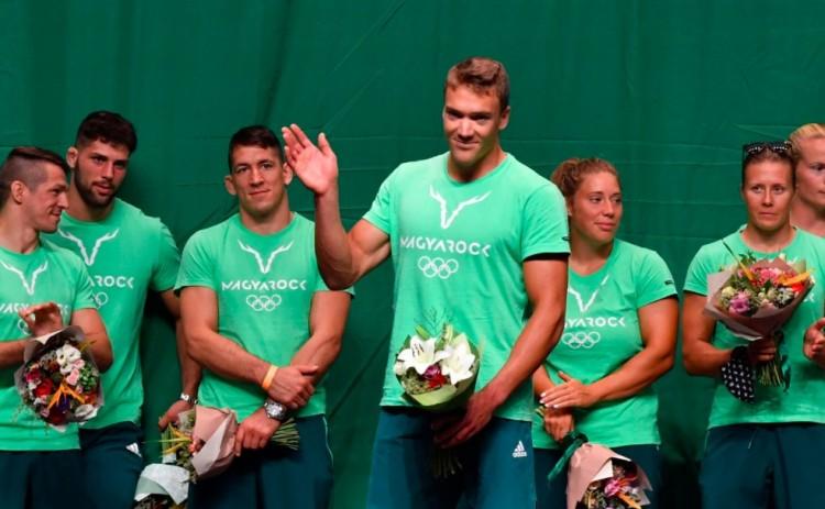 Az olimpiáról hazatért sportolókat ünnepelték Budapesten