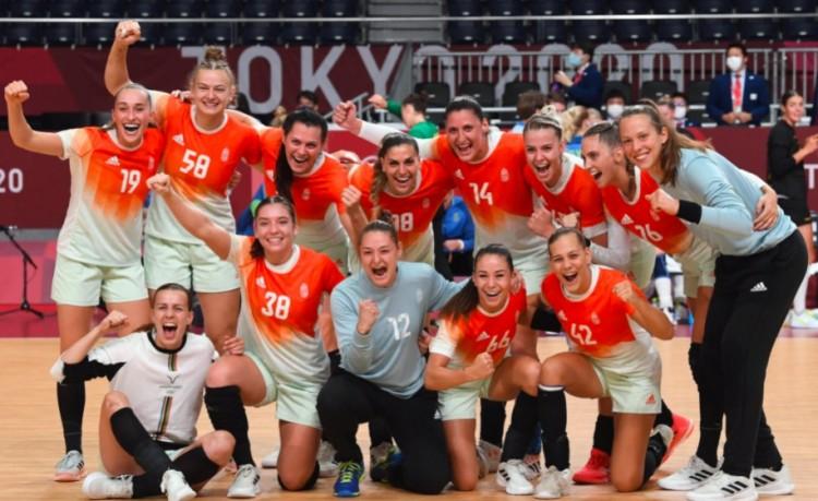 Kisebb csoda folytán a magyar női kézisek továbbjutottak az olimpián