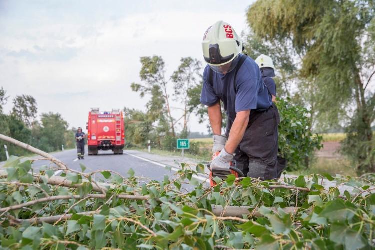 Vihar után Hajdú-Biharban: csak győzzék a munkát a tűzoltók