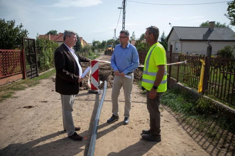 Ivóvízhálózati gerincvezeték épül a debreceni Cinege utcán