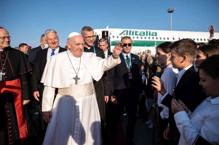 Ferenc pápa már Budapesten