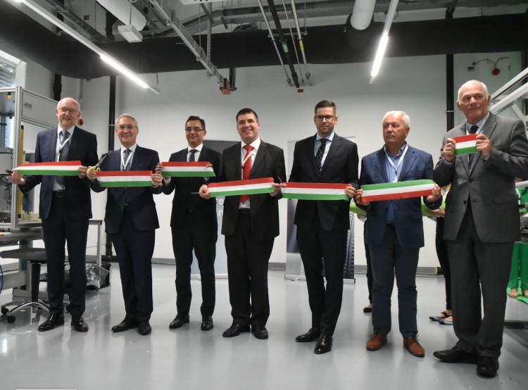 A jövő gyárát adták át Debrecenben