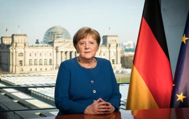 Németországot vasárnap izgalom járja át. Ki lesz Angela Merkel utódja?