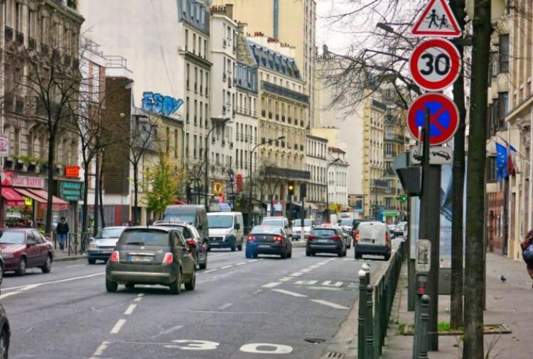 Ez lesz a jövő: 30 km/órás sebességkorlátozás a városokban