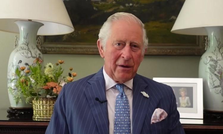 Magyarul köszönt Károly herceg