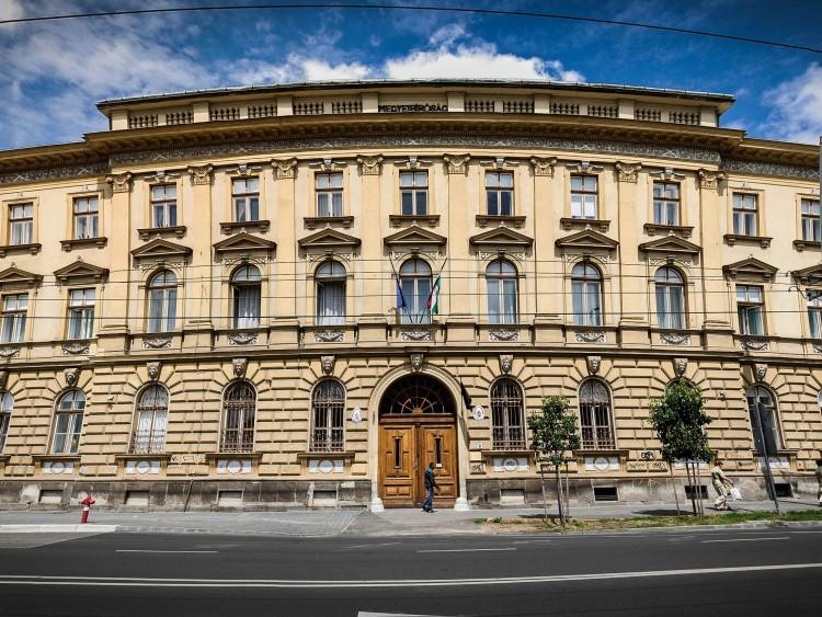 Debrecenben kezdődik újra a Szeviép-ügy – szeptemberben tárgyalják