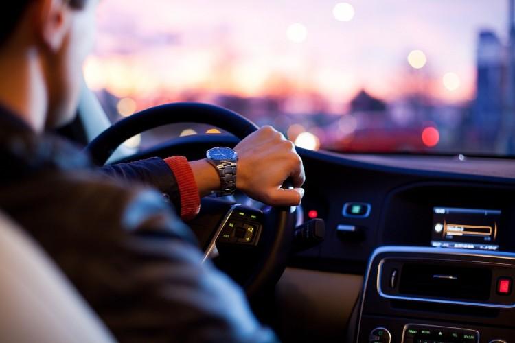Több tízmillió forintért vásárol autót a debreceni önkormányzat