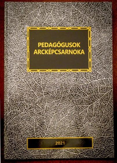 Pedagógusok Arcképcsarnoka – itt a legújabb kötet