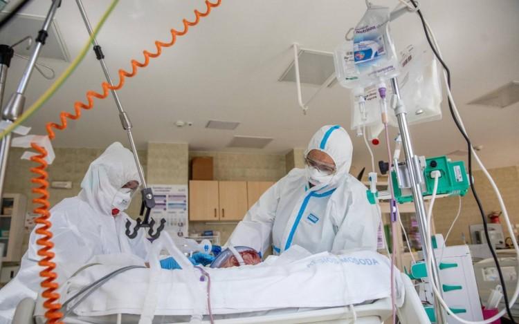 Debrecenbe is szállítanak koronavírusos román betegeket