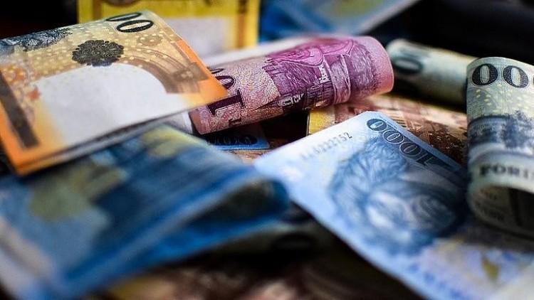 A kormány csökkentené a szociális hozzájárulási adót