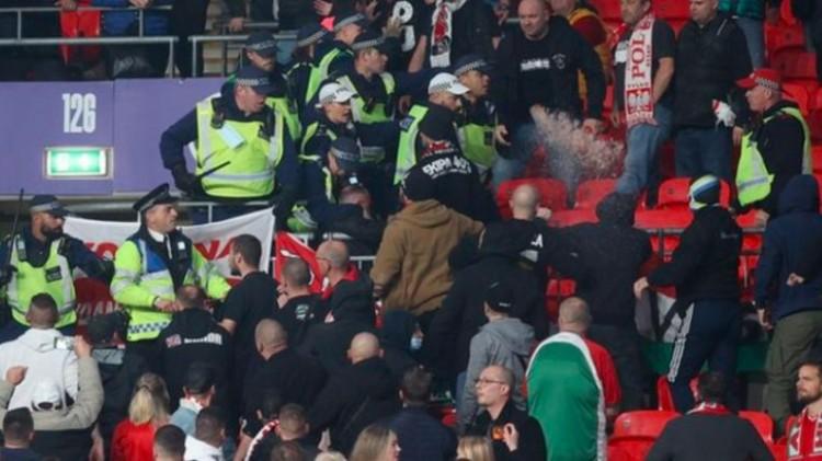 Verekedés a Wembleyben: ennek is súlyos következménye lehet