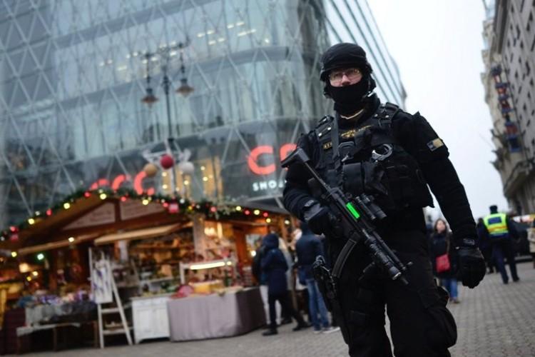 Rengeteg rendőr lesz az utcán