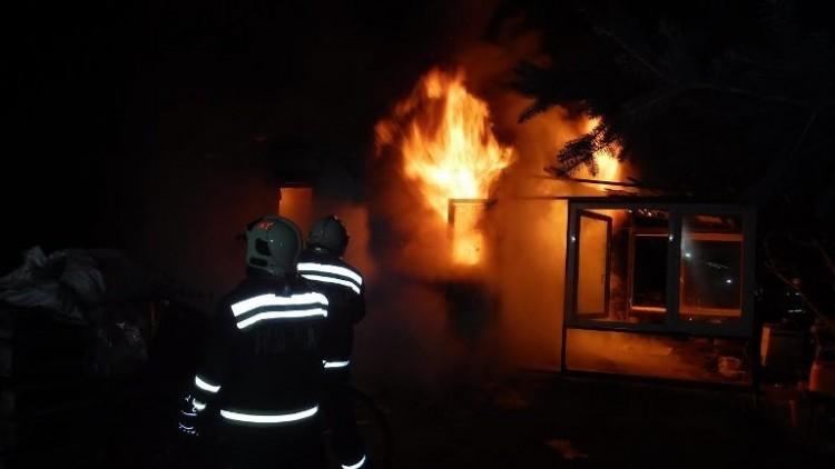 Leégett egy ház Nyíregyházán