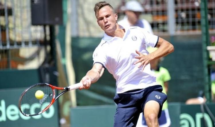 A nyíregyházi teniszező javított!