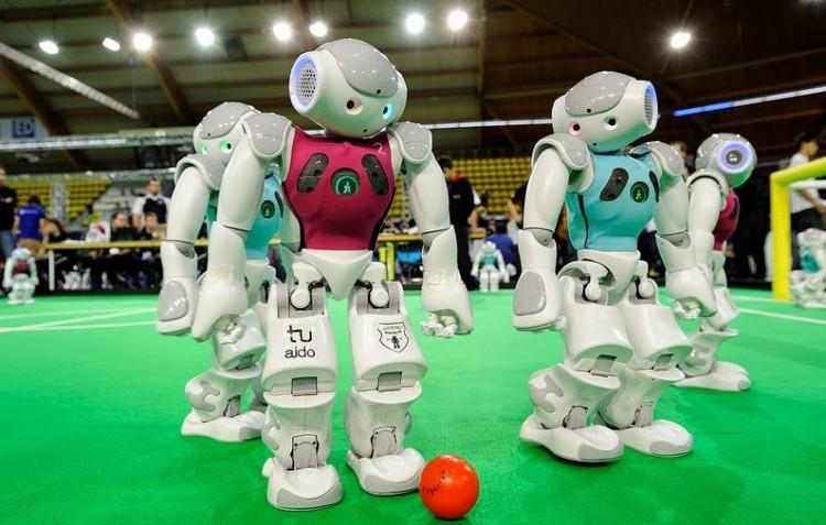 Robotfoci és fizikashow várja a közönséget a Nyíregyházi Egyetemen