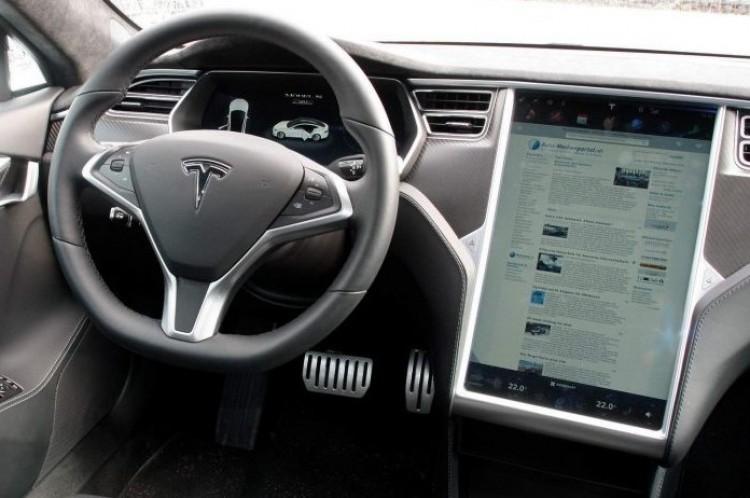Elképesztő: szinte magától ment el a Tesla Nyíregyházától Zsámbékig