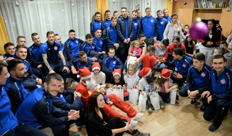 Nyíregyházi családoknál járt a Szpari Mikulás
