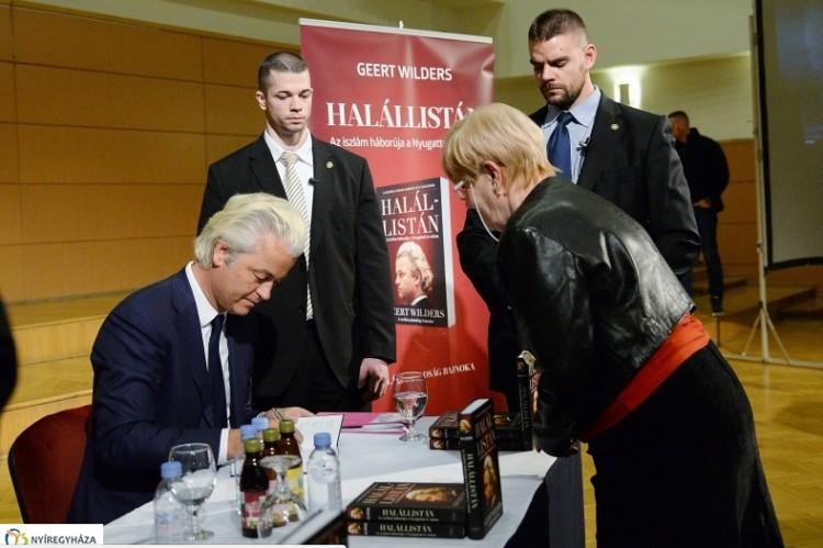 Nyíregyházán olvasott be az iszlámnak és az uniónak a holland szélsőjobbos