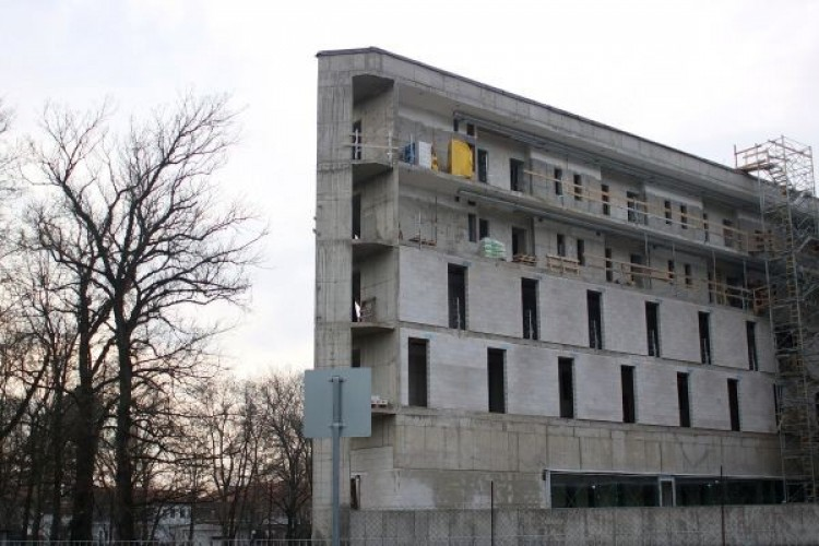 Rohamtempóban épül a sóstói szálloda