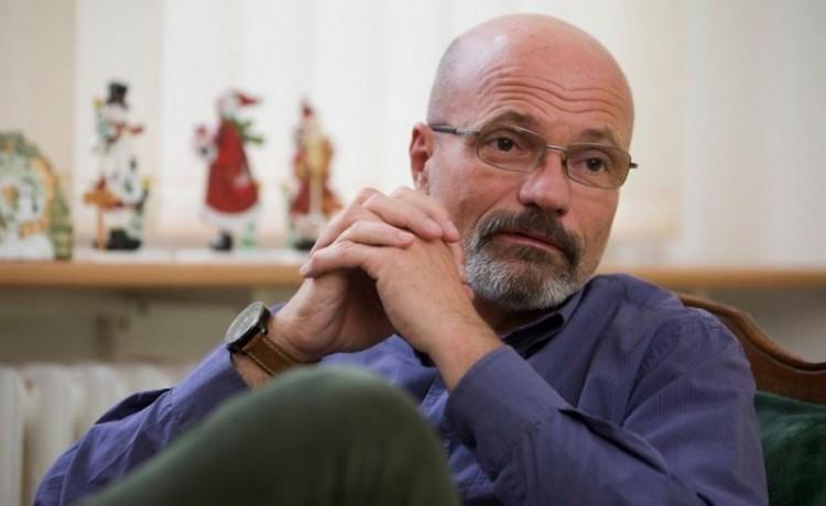 Túl a rivaldafényen: Nyíregyházán ad elő Zacher Gábor
