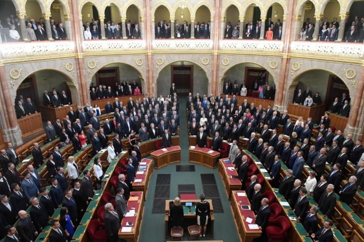Nem tudták megakadályozni: megalakult az új Országgyűlés