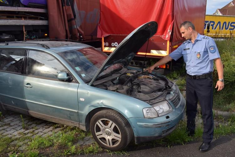 Körözött autót kapcsoltak le Csengersimánál