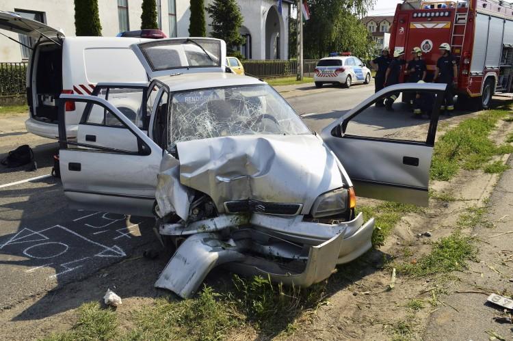 Halálos hétfő: egy középkorú nő halt meg a 49-esen