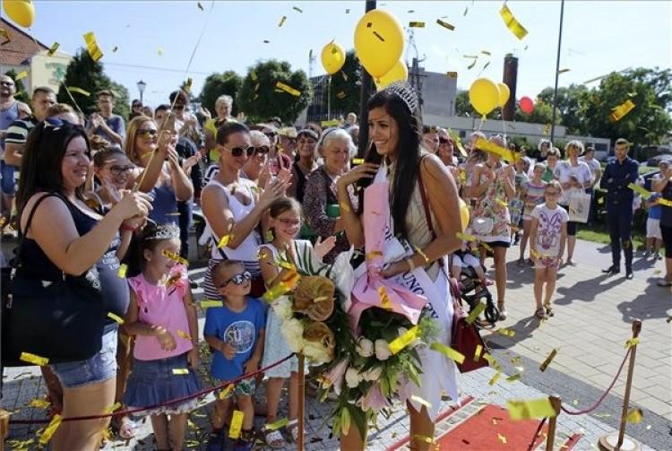 Hatalmas ünnepséget rendeztek a legszebb magyar lánynak