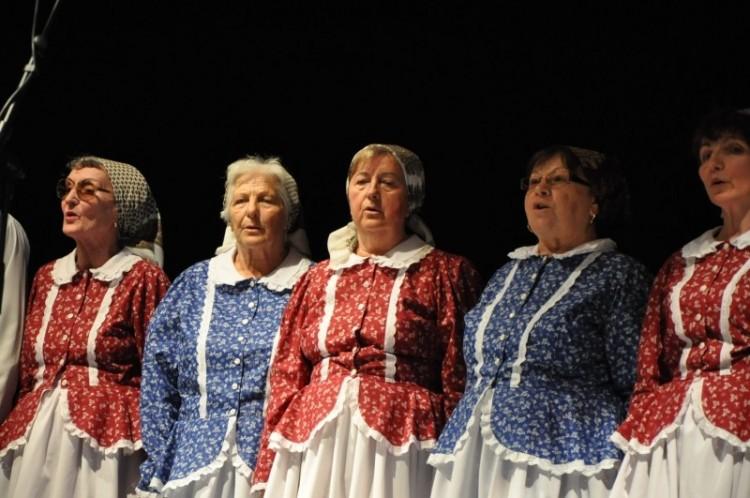 Nyugdíjasoknak tapsoltak Nyíregyházán