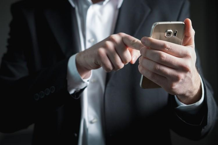 Húsz perc - ennyit adnak Oroszországban a mobil-szolgáltatóknak