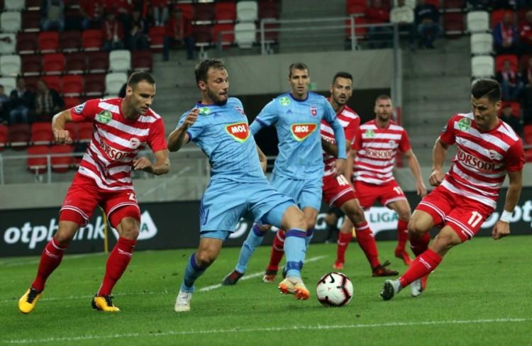 Súlyos pofon a magyar focinak