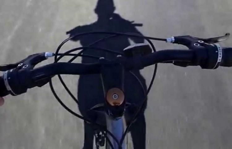 Bicikliző gyereket pofozott meg Nyírbátorban egy autós