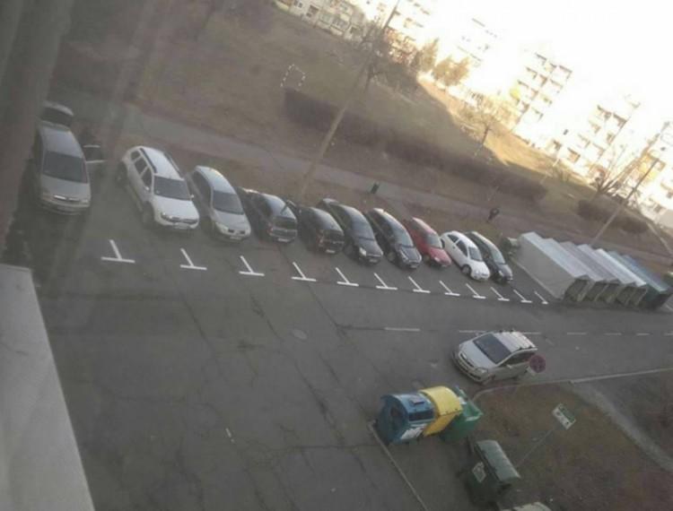 Parkolás Nyíregyházán: egy bolond százat csinál