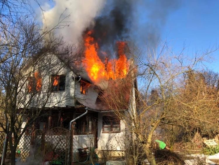 Porig égett a nyíregyházi család szarvaskői otthona