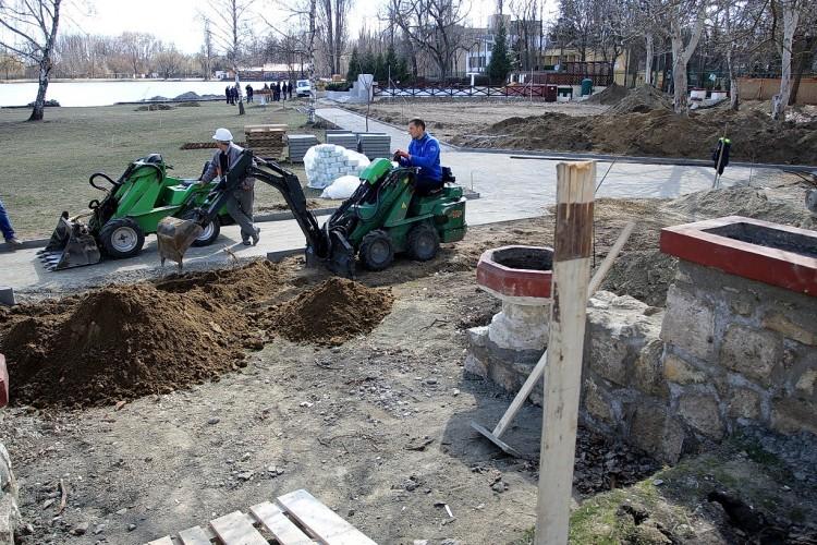 Így dolgoznak a nyíregyházi Tófürdő megújításán + videó