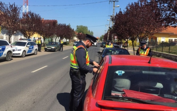A semminek rég örültek így a rendőrök Szabolcsban