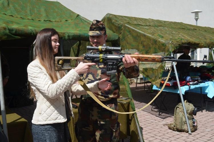 Katonák a Nyíregyházi Egyetemen