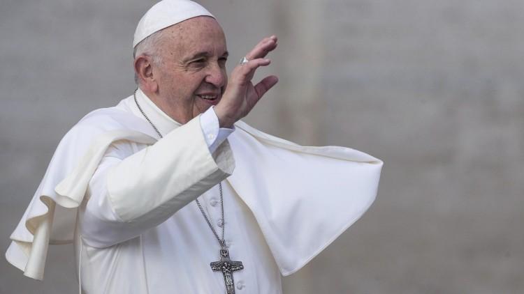 Ferenc pápa megérkezett  Romániába