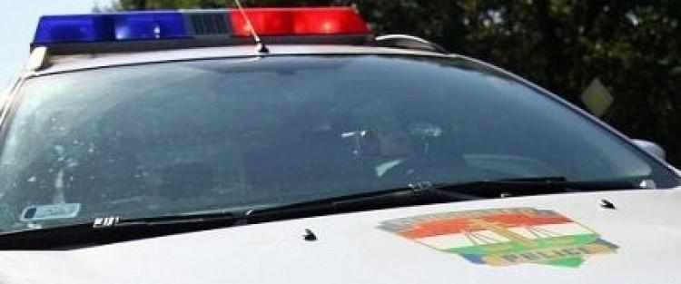 A rendőrökbe is belekötöttek Rakamazon