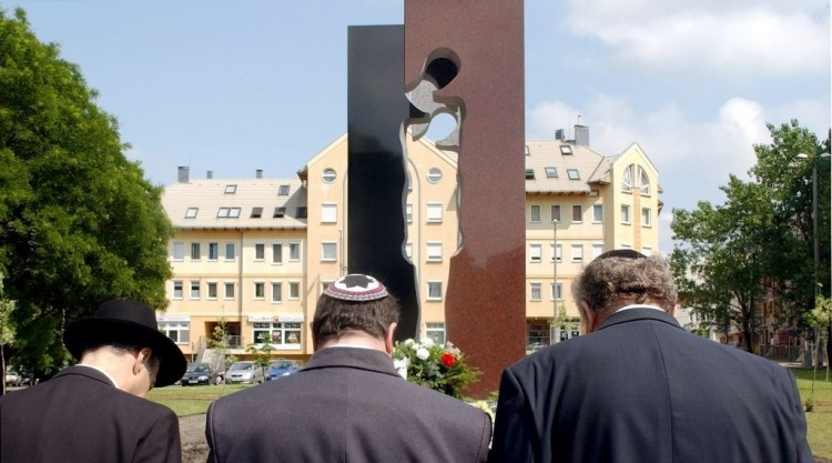 A holokauszt nyíregyházi áldozataira emlékeznek
