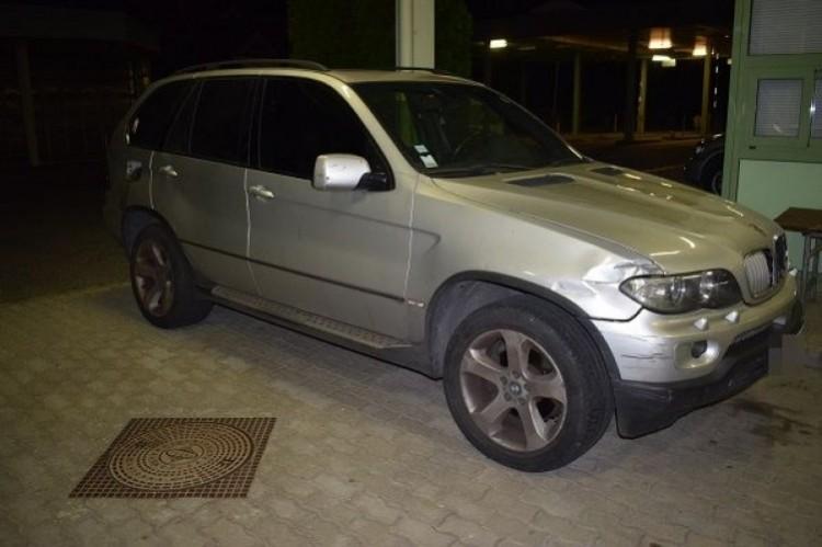 Lopott X5-öst akart átvinni Romániába