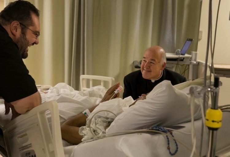 Debrecenben vagy Újfaluban kórházban fekszik? Nem csak papot hívhat!