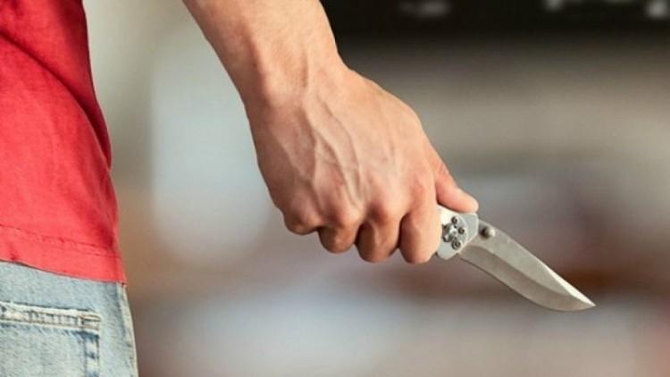 Késsel fenyegettek egy 14 éves lányt Nyíregyházán