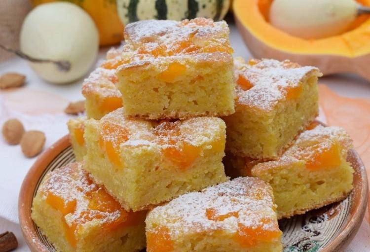Négyezer szelet süteményt sütnek Nyíregyházán
