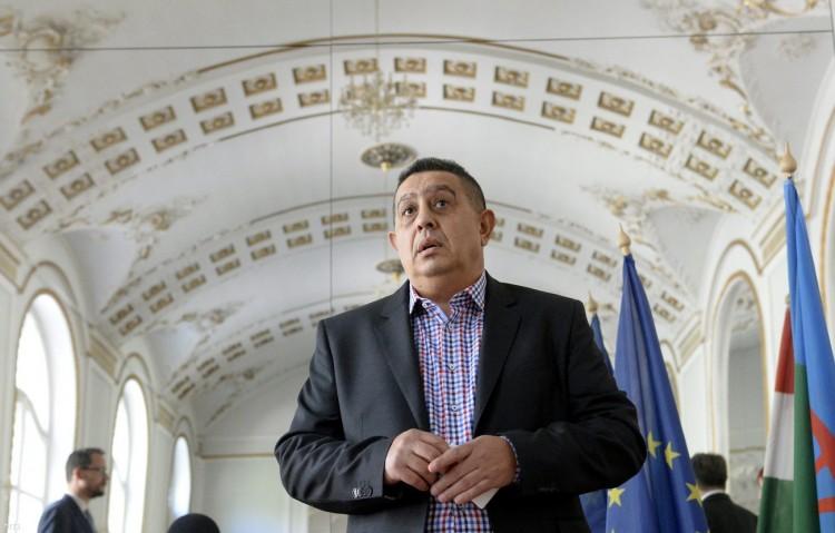 Elítélték az Országos Roma Önkormányzat elnökét