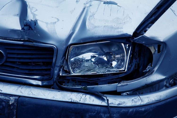 Összeütközött egy kisbusz és egy autó Nyíregyházán