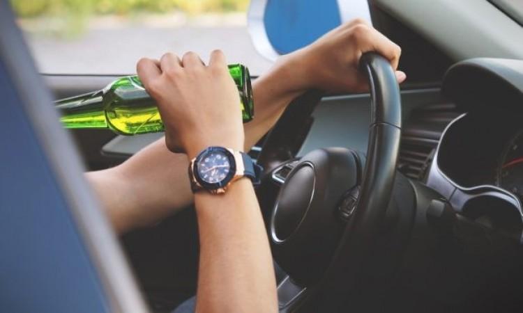 Balesetet okozott, majd az autóban elaludt az ittas sofőr Szakolyban