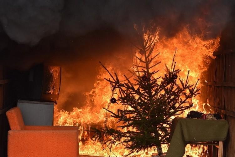 Szándékosan okoznak tűzoltók lakástüzet Nyírbátorban