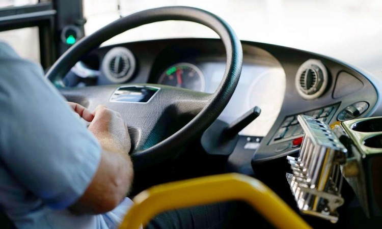Több szabályt is megszegett a buszsofőr Nyíregyházán